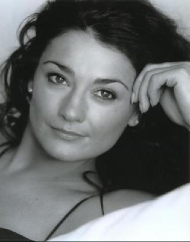 Natalie J Robb